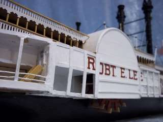 Robert E. Lee Mississippi Steamboat Wooden Model 1150 |