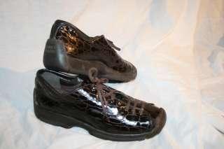 STUART WEITZMAN Faux Croc Sneaker Shoes Women 7.5