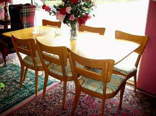 VINTAGE HEYWOOD WAKEFIELD DINING ROOM SET, TABLE, 2 LEAVES & 6 DOGBONE