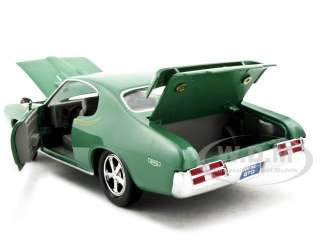 1969 PONTIAC GTO JUDGE GREEN 124 DIECAST MODEL CAR BY MOTORMAX 73242