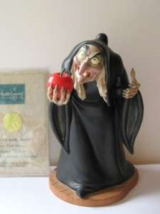 Disney WDCC Snow White Take the Apple Dearie Hag Witch Figurine