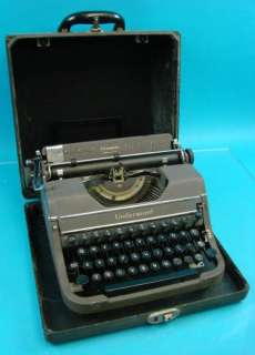 Champion Portable Manual Typewriter+Carry Case Office Business Home