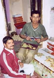 India, Lakh, Pendant Necklace. Black & Gold
