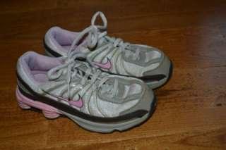 Girls Nike Shoxs Size 1Y Tennis Shoes Pink/Tan/Brown