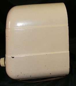 1947 Beige Tan Bakelite Coronado Tube RADIO Model 43 8353