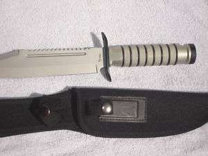 MILITARY STYLE COMBAT FIGHTING KNIFE W/SURVIVAL KIT GRY