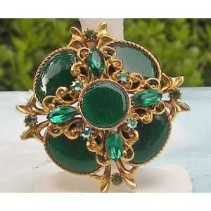 Gorgeous Emerald green Crystal Vintage Pin/Brooch