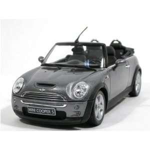 2006 Mini Cooper S Cabrio diecast model car 118 scale die