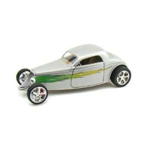 Ford Coupe Hard Top (1933, 1:18, Silver with Flames) diecast car model