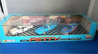 Hot Wheels Hotwheels HW 1997 PETTY Racing Family Lee Richard Kyle 3