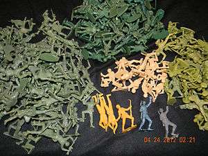 VINTAGE 230 PLUS PLASTIC ARMY MEN TOY SOLDIERS WAR MARX