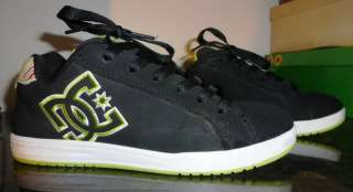 DC Shoes. Size 6.5, Woman or Junior/Girls. Super Cute